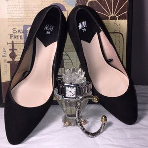H&M Black Suede Pumps